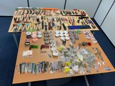 Politie neemt tientallen steekwapens in beslag bij controle kermis op Malieveld