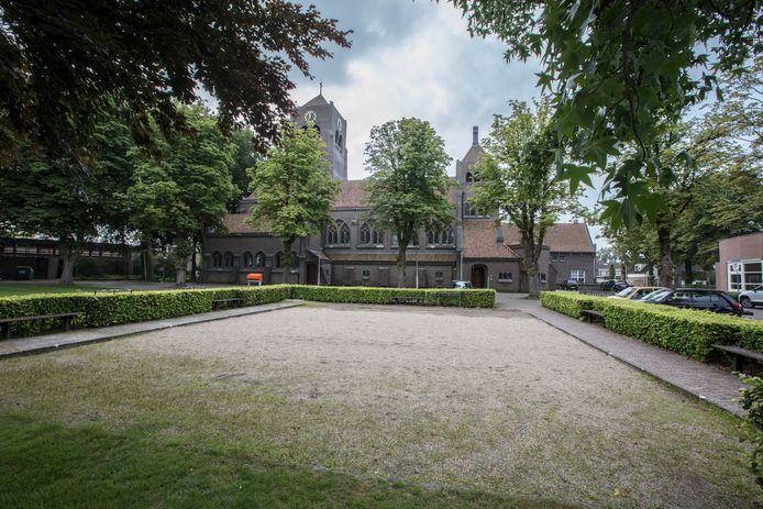 De Sint-Bernadettekerk in Spoordonk, die in de loop van komend jaar aan de eredienst wordt onttrokken.