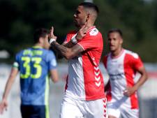 Feyenoord stort volledig in tegen Emmen, Toornstra redt punt in slotseconden