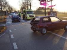 Twee gewonden bij aanrijding voor stoplicht in Bredevoort