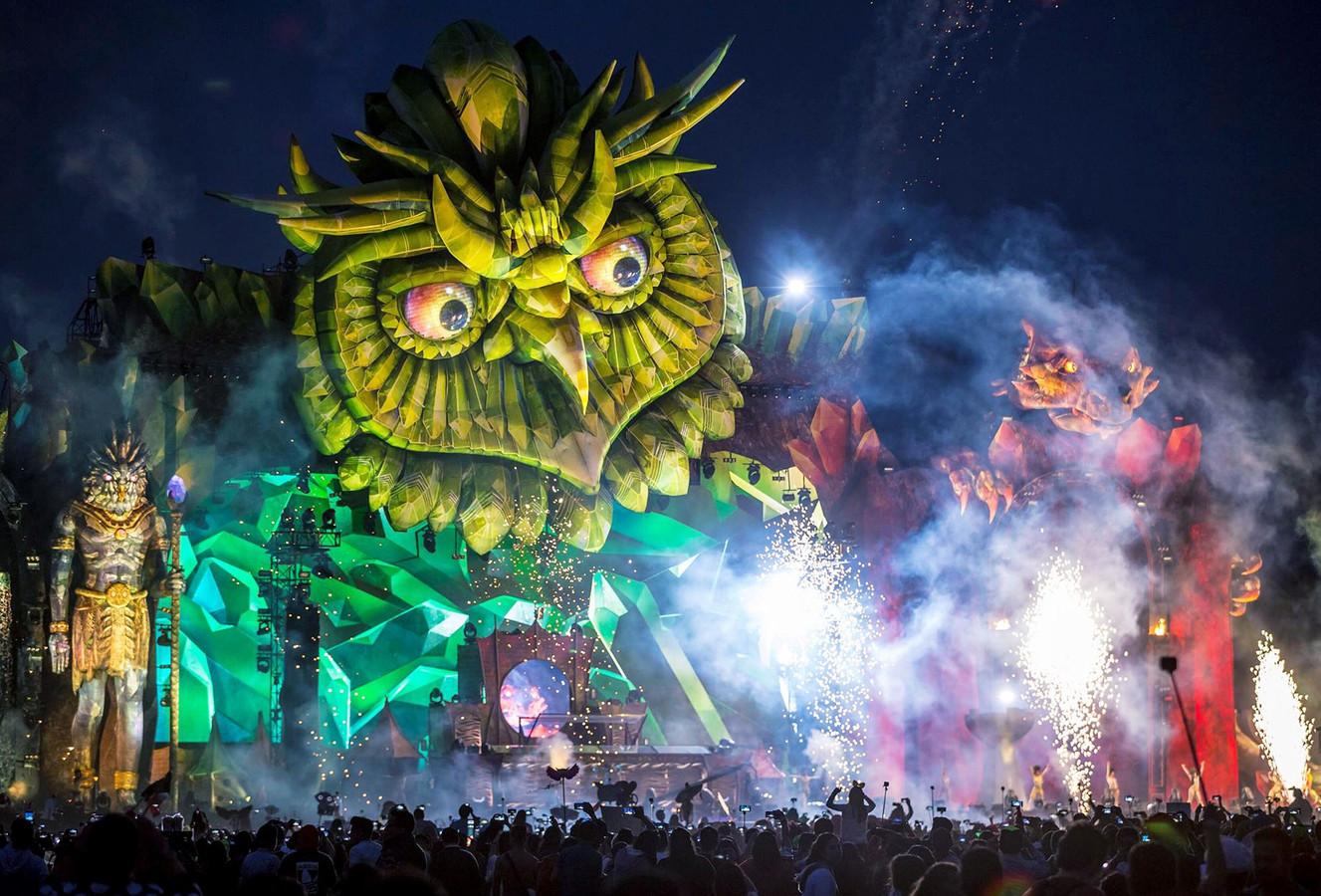 Het Electric Daisy Carnival is een gigantisch dancefestival waarvoor Airworks veel decorstukken maakt. De organisator is dol op uilen, volgens Airworks-directeur Matthew Whitehead omdat ze associaties oproepen met het nachtleven.
