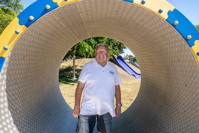 Theo Weijers in zijn speeltuin.