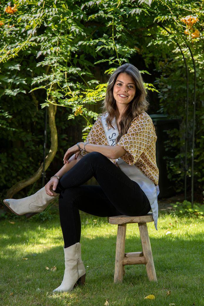 De Eindhovense Sanne ten Kate is een van de tien finalisten voor de Miss Nederland verkiezing.