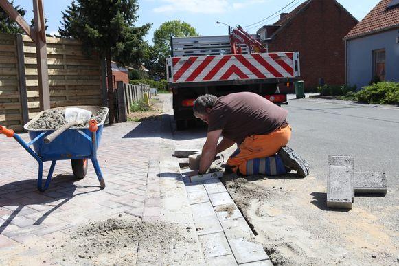 Illustratiebeeld: de voetpaden van verscheidene straten worden heraangelegd.