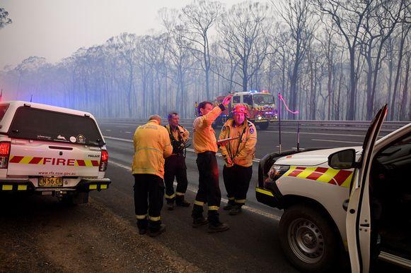 Na tien weken blussen en door betere weersomstandigheden, is de zogenaamde Gospers Mountain fire onder controle.