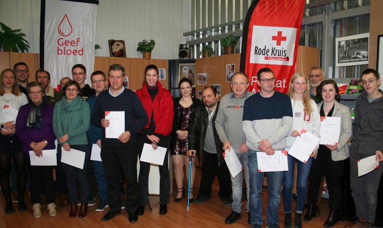 Deze mensen kregen hun brevetten EHBO en helper uitgereikt