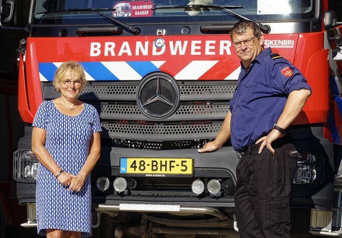 """Caroline Reitsma van Veiligheidsregio Brabant-Noord en brandweercommandant Albert van de Wiel zorgen er voor dat de overgang van het korps Haaren naar de brandweerregio Midden-West -Brabant vlot verloopt. ,,Emotie speelt in die overgang ook een rol."""""""