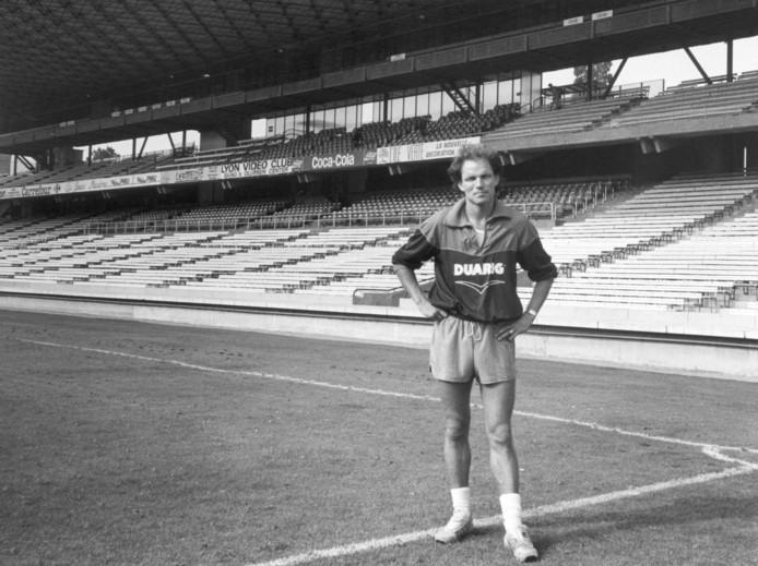 Michel Valke in het oude Stade de Gerland van Olympique Lyon.