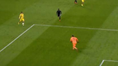 Wanneer twee spelers van Dortmund zich even in een aflevering van F.C. De Kampioenen wanen