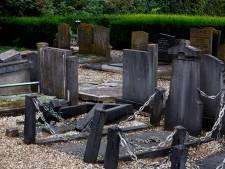 Oude graven in Sleeuwijk liggen er vervallen bij, maar even opknappen kan niet zomaar
