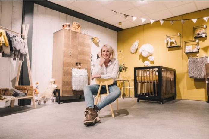 Julia Kranen pakt het anders aan in haar babywinkel.