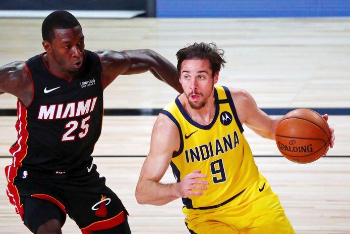 T.J. McConnell in duel met Kendrick Nunn van Miami Heat.