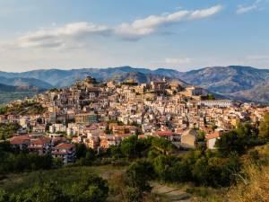 Ils ont acheté une maison à 1 euro en Italie, puis le coronavirus a frappé