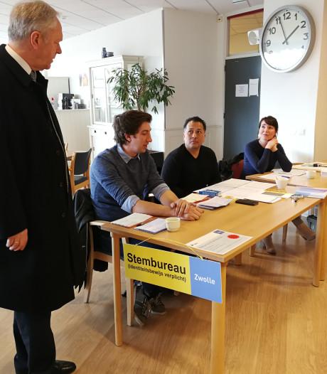 Mobiel stembureau trekt door Zwolle