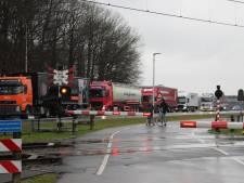 Ongelijkvloerse kruising beste oplossing voor spooroverweg N350 bij Holten