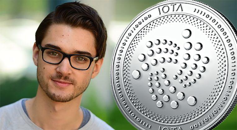Dominik Schiener en zijn IOTA-munt