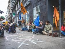 """Milieuactivisten voeren actie op Kouter: """"Wantoestanden financiële sector aan de kaak stellen"""""""