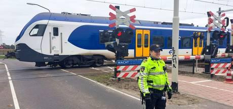 Spoorboom kapot gereden bij overweg in Maarheeze