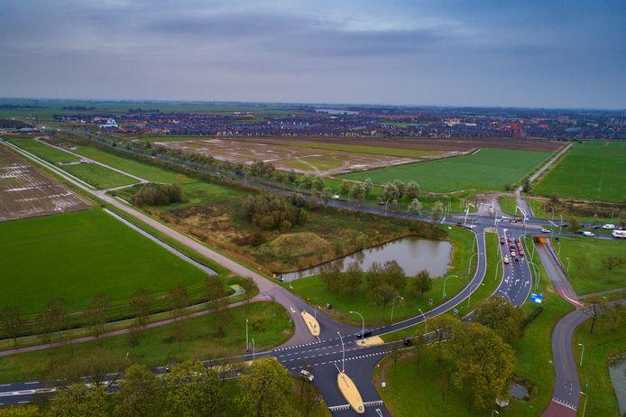 De gemeente Zwolle gaat onverminderd door met het plan voor woningen aan de Scholtensteeg, nabij het Kamper dorp 's-Heerenbroek.