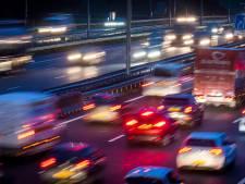 Bijna een uur vertraging op A12 richting Den Haag na ongeluk bij Zoetermeer