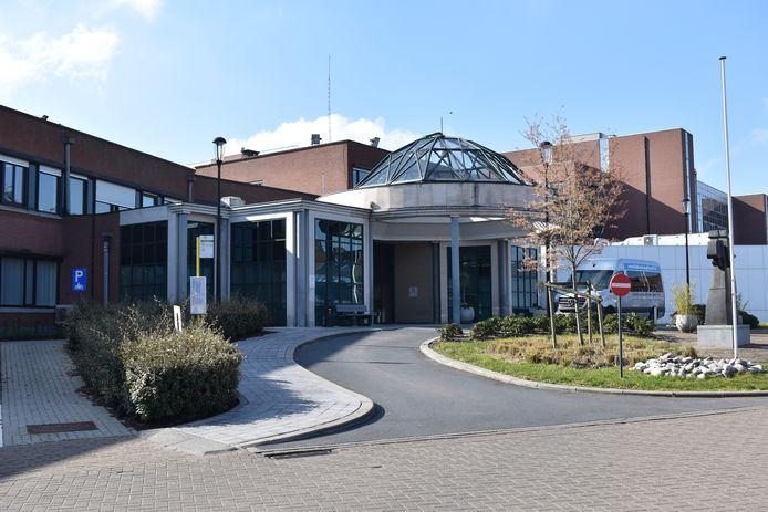Momenteel zijn 55 patiënten met COVID-19 opgenomen in het ziekenhuis.