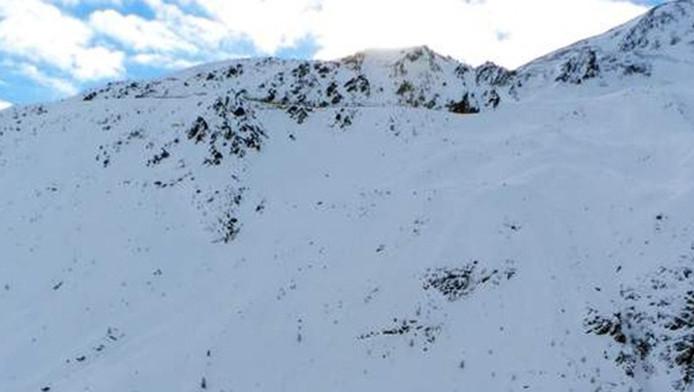Twee Amerikaanse skitalenten overleden maandag in Sölden, waar ze buiten de piste een beroemde maar gevaarlijke route aflegden.