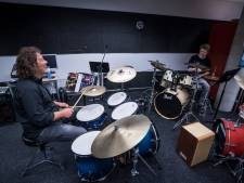 Instrumenten weer 'alive and kicking' in Muziekschool Borne