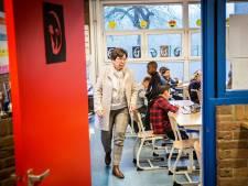 Honderden werkloze leraren staan weer voor de klas