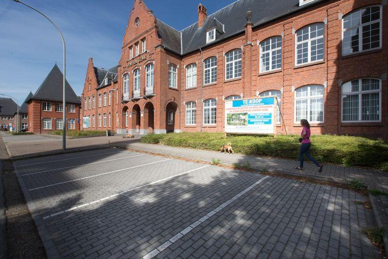 De Communauté Musulmane de Belgique is de nieuwe eigenaar van het voormalige schoolgebouw in Winterslag (Genk) dat te koop was gesteld. Vroeger waren daar de opleidingsgebouwen van Syntra gevestigd.