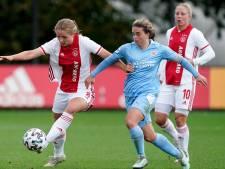 Ajax brengt PSV eerste eredivisienederlaag in anderhalf jaar toe