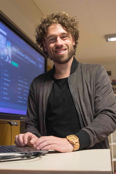 Wereld van meester Jesper jaar later compleet op zijn kop dankzij Spotifyplaylist