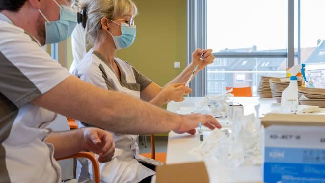 50.000 mensen gevaccineerd in woonzorgcentra,  10 met bijwerkingen