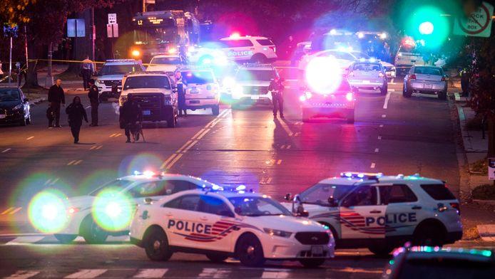 De politie heeft het gebied rondom de pizzeria afgesloten