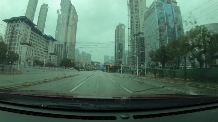 Vlogger toont lege straten in 'spookstad' Wuhan