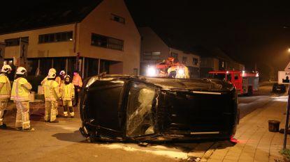 Zoon Bert Kruismans heeft ongeval, auto kantelt op z'n zij