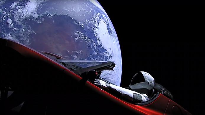 Vorig jaar lanceerde SpaceX zijn Falcon Heavy-raket en bracht Elon Musks eigen Tesla op koers naar Mars.