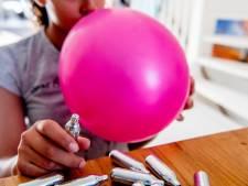 Wijkagent Zwolle zoekt eigenaar ballonnen en slagroompatronen, 'zonde als feest niet doorgaat'