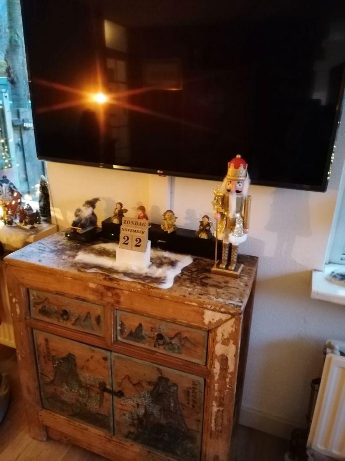 Huib en Tonny Bello hebben hun huis mooi versierd voor kerst.