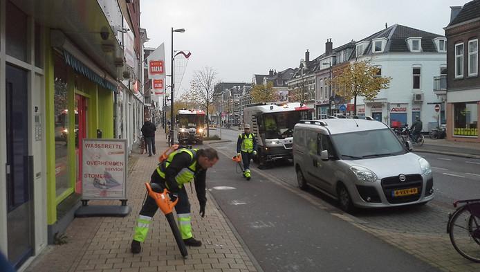 Veegwagen Uit Drukke Ochtendspits Halen Utrecht Adnl