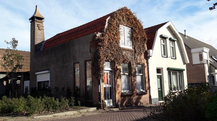 De gemeente heeft een dwangsom opgelegd voor een verpauperde woning in de Hartoogstraat in Yerseke.