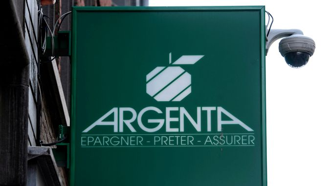 Smartphone dwingt Argenta te snoeien