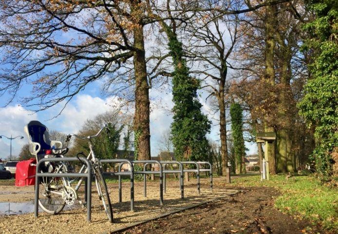 Fietsbeugels aan het Begijnhofpark in Herentals.