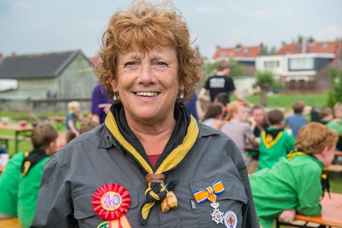 Nel Kluijtmans-Verstegen met haar nieuwe onderscheiding