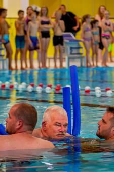 Zwemactie voor ALS-patiënt Rien levert ruim 20.000 euro op
