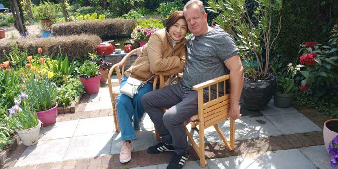 Bram Osterloh met zijn vriendin Pat in Thailand.