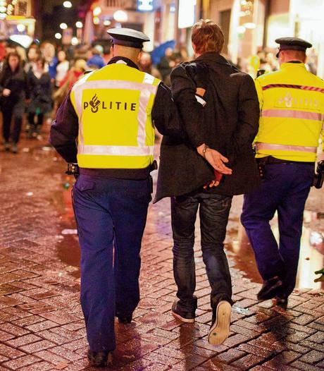 Uitgaansgeweld Breda: man slaat glas op hoofd kapot