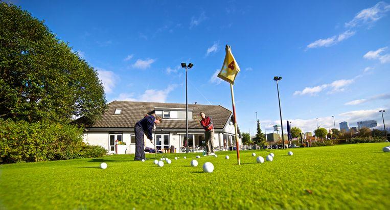 Golfclub Amstelborgh organiseert vier open landenwedstrijden, met steeds een rondje van 9 holes en daarna eten en drinken in een thema. Beeld