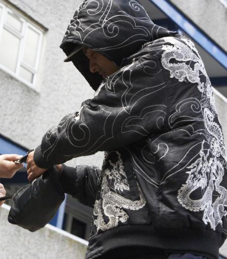 Goesenaar op klaarlichte dag beroofd van pinpas