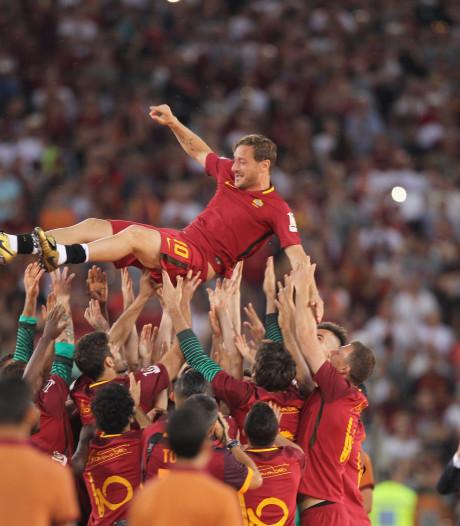 Totti neemt ontslag en vertrekt na 27 jaar bij AS Roma