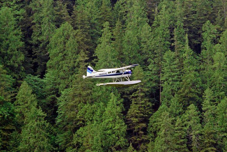 Een watervliegtuigje op weg naar de Misty Fjords in Alaska.